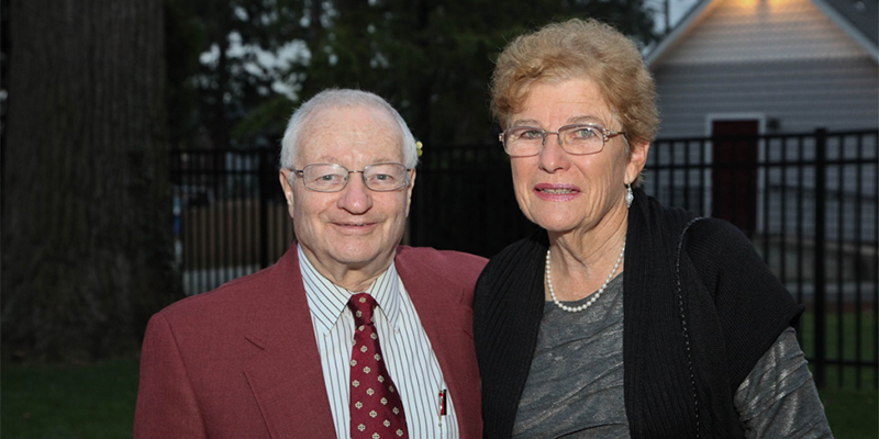 Hank Vosswinkel '58 and his wife, Peggy.